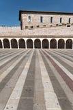 Двор базилики Св.а Франциск Св. Франциск в Assisi Стоковое фото RF