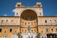 Двор бельведера в музеях Ватикана Стоковые Изображения