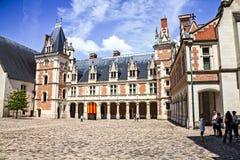 Двор замка Blois стоковые фотографии rf