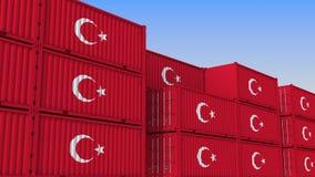 Двор контейнера вполне контейнеров с флагом Турции Турецкие экспорт или импорт связали перевод 3D иллюстрация штока