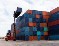 Двор контейнера стоковое фото