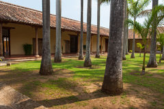 Двор монастыря в Гранаде стоковые фотографии rf