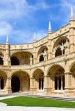 Двор монастыря - Mosteiro de Jeronimos Стоковая Фотография RF