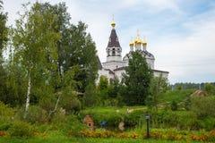 Двор монастыря stefano-Mahrishche святой троицы stauropegic, Talitsy, область Москвы Стоковая Фотография