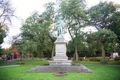 Двор статуи Schiller в Lincoln Park Чикаго, Иллинойсе стоковые изображения rf