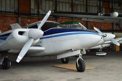 Двухмоторное воздушное судно Стоковые Фотографии RF