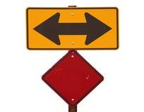 Двухсторонний дорожный знак стрелки Стоковое Изображение RF