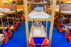 Двухъярусные кровати на пароме к острову Дао Koh, Таиланду Стоковое Изображение RF