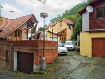 Двухэтажные небольшие дома в Hluboka Nad Vltavou Стоковое фото RF