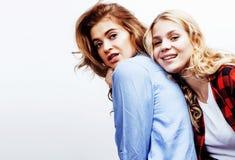 Девочка-подростки лучших другов совместно имея потеху, представлять эмоциональный Стоковая Фотография RF