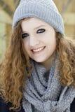 Девочка-подросток в крупном плане зимы Стоковая Фотография RF