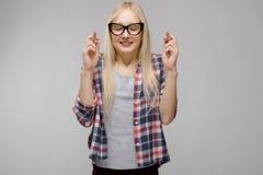 Девочка-подросток в модных одеждах стоковое изображение