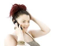 Девочка-подросток на мобильном телефоне Стоковые Изображения RF