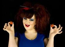 Девочка-подросток с томатами Стоковые Фотографии RF