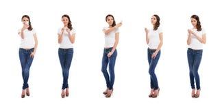 Девочка-подростки с smartphones на белизне Стоковые Изображения RF