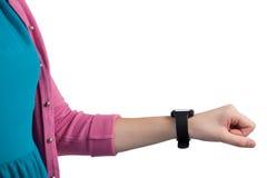 Девочка-подросток показывая ей smartwatch Стоковое Изображение RF