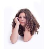 Девочка-подросток с мобильным телефоном стоковые фото