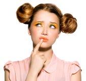 Девочка-подросток с думать веснушек Стоковые Изображения RF