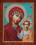 Девственница значка, вышитая с крестом Стоковые Изображения