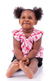 девушка афроамериканца милая смеясь над немного Стоковое Изображение