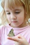 девушка бабочки немногая Стоковое Фото