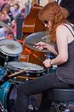 девушка барабанщика Стоковые Изображения RF