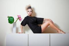девушка блестящая стоковые фотографии rf