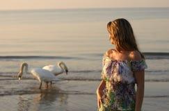 девушка блондинкы пляжа Стоковые Изображения