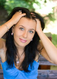 девушка брюнет кавказская милая Стоковые Изображения RF