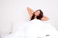 девушка вверх просыпает Стоковое Фото
