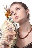 девушка вентилятора представляет белизну Стоковое Фото