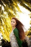 девушка ветерка стоковое изображение rf