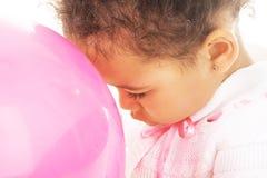 девушка воздушного шара немногая предложение пинка Стоковое Изображение RF