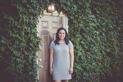 Девушка, вход, плющ, лампа Стоковая Фотография RF