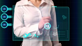 Девушка выбирает на виртуальном экране изучение рыночной конъюнктуры надписи Современная концепция маркетинга сток-видео