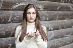 Девушка в белизне стоковые фотографии rf