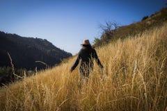 Девушка в горах Стоковая Фотография