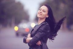 Девушка в городе Стоковая Фотография