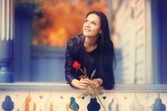 Девушка в городе Стоковые Изображения RF