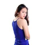Девушка в голубом портрете съемки задней части верхней части стоковые фотографии rf