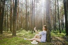 Девушка в древесинах Стоковое Изображение RF