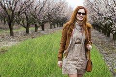 Девушка в зацветая садах Стоковая Фотография RF