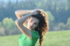 Девушка в зеленом платье Стоковое фото RF