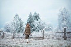 Девушка в зиме Стоковые Фотографии RF
