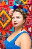 Девушка в изображении Frida Kahlo стоковое изображение