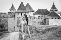 Девушка в длинном платье Стоковые Фотографии RF