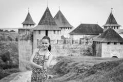Девушка в длинном платье Стоковые Изображения