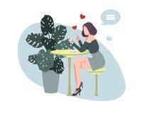 Девушка в кафе с телефоном как бесплатная иллюстрация