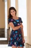 Девушка в красочном платье Стоковое Изображение