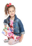 Девушка в куртке джинсовой ткани Стоковое Фото